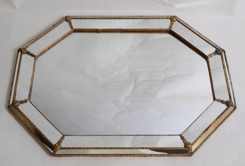 Eleganckie szklane lustro z dekorami Hiszpania 879