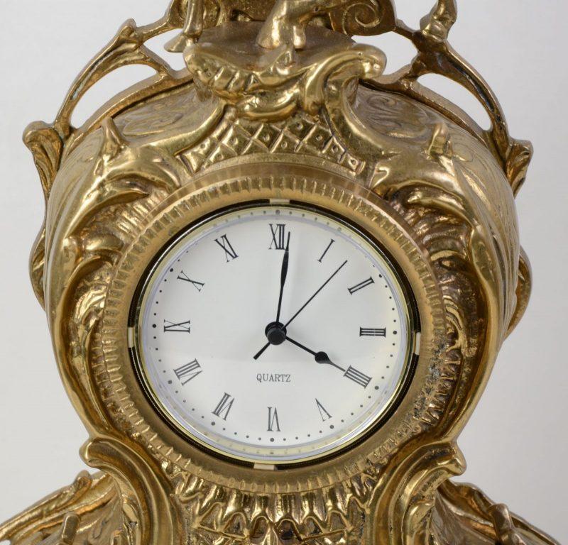 Stylowy złoty zegar jeździec mosiądz Hiszp. 422